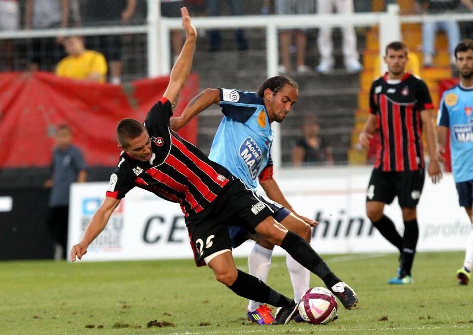 Mounier et les Niçois ne sont pas parvenus à faire sauter le verrou brestois hier soir au Stade du Ray.