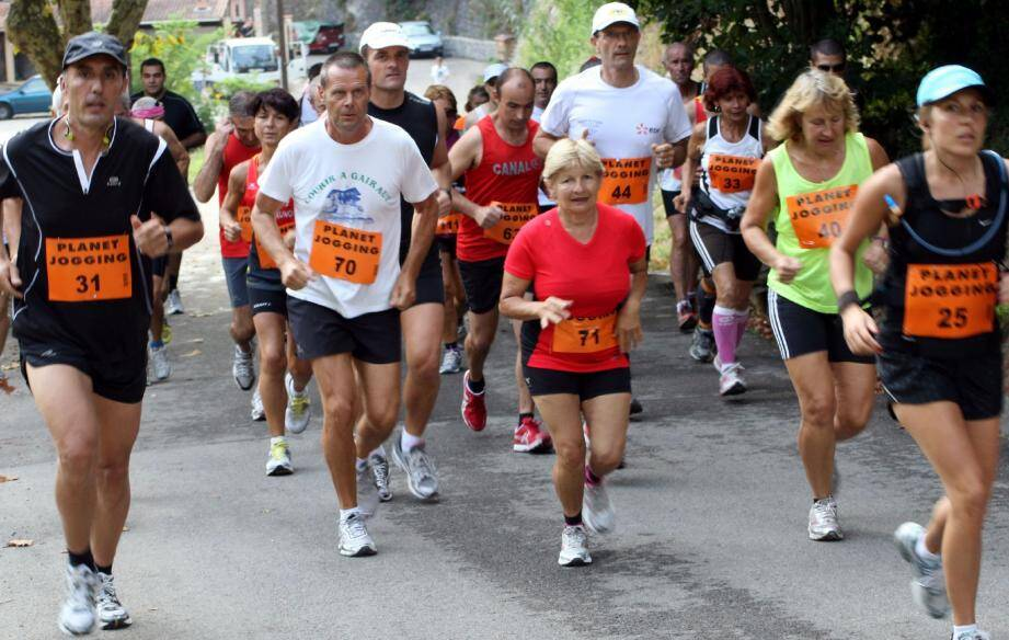 La course à pied marche très fort dans le Pays des Paillons avec 824 participants classés à l'issue de sept épreuves sur huit. Pari gagné pour le challenge 2011 !(Photo J.-P. B.)