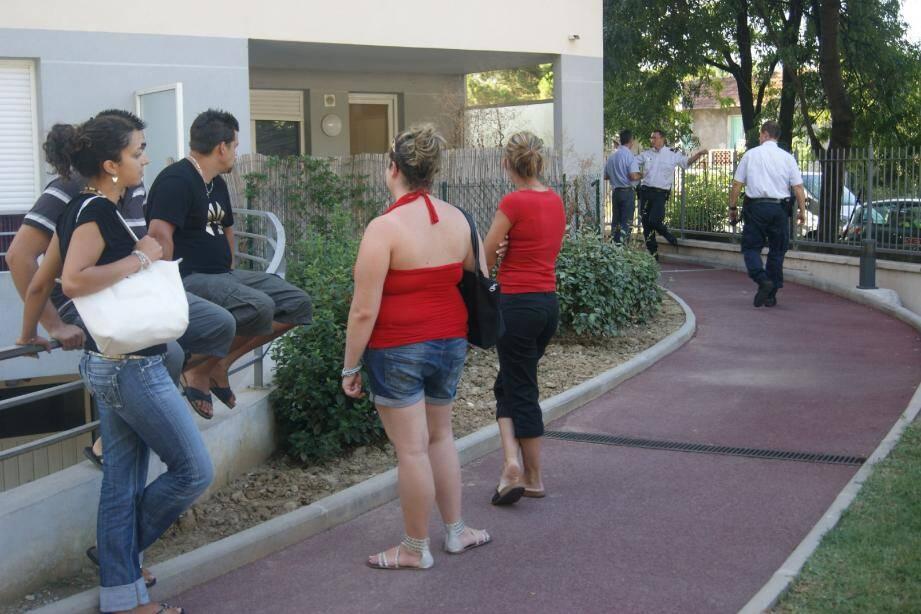 Les locataires de la résidence San Vérano écœurés après la macabre découverte dans un appartement du rez-de-chaussée.(Photo Mo. Q.)