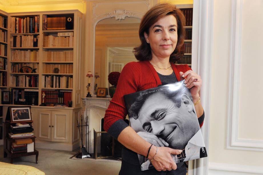 Le livre souvenir sobrement intitulé « Montand » est sorti en librairie, hier, jour anniversaire du comédien. (Photo Philippe Dobrowolska)