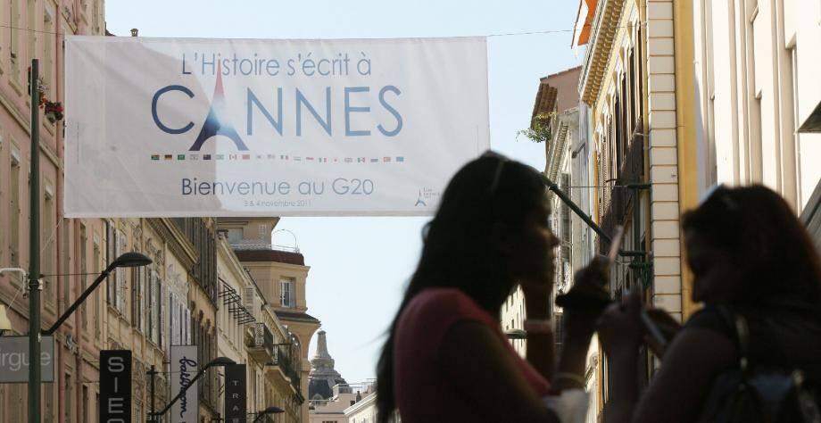 Le « A » de Cannes remplacé par un monument parisien, il fallait oser !