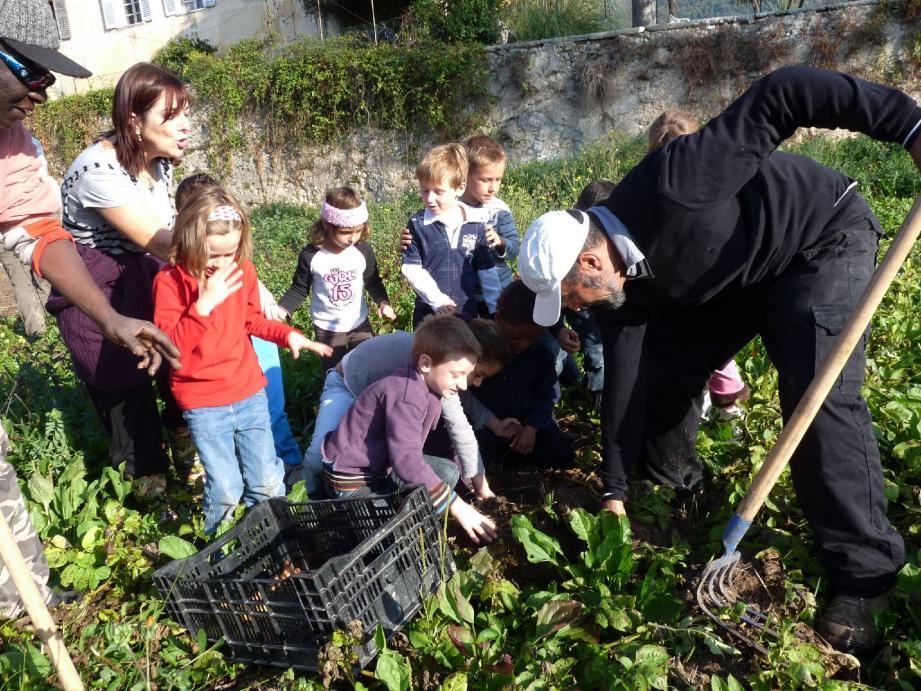 Une première expérience pour la grande majorité des écoliers invités chez Michèle Bracco, à La Sine.