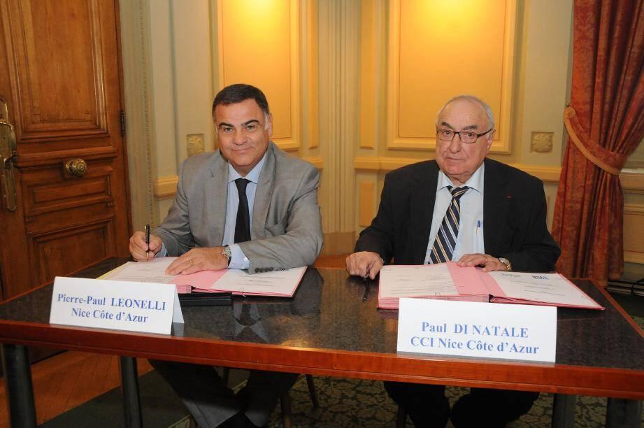 La signature, hier, de la charte entre la Ville de Nice et la Chambre de commerce et d'industrie. (Photo M. K.)