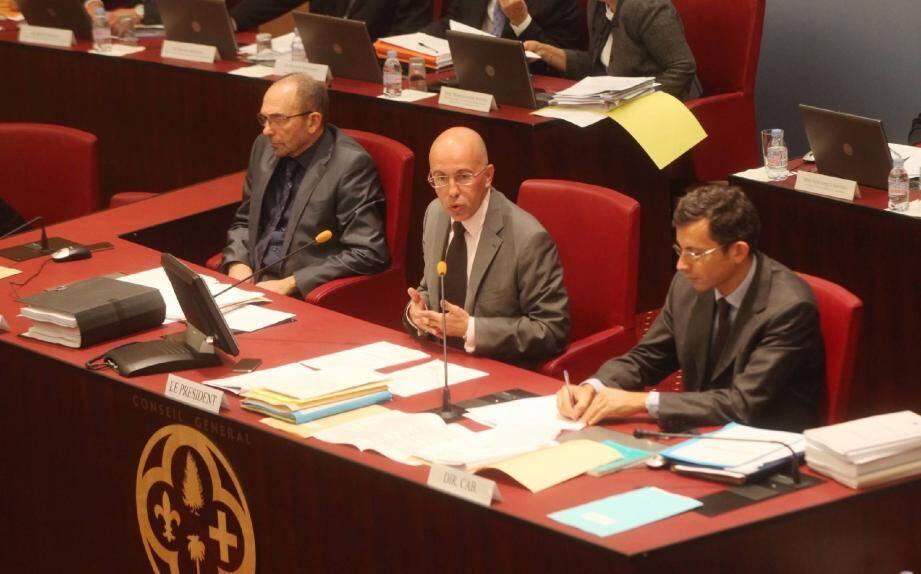 Eric Ciotti a présenté hier matin les orientations budgétaires du conseil général pour 2012. Comme en cette année 2011, elles n'inciteront pas la collectivité départementale à faire la moindre folie…(Photo Richard Ray)