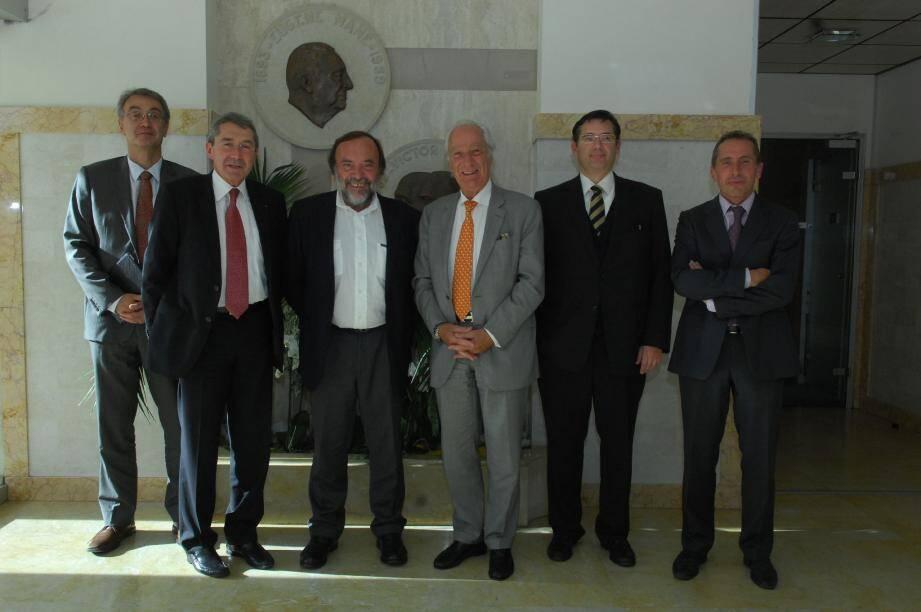 Jean Mane, président du directoire de la société Mane, Gaston Franco, député européen, et Han-Paul Bodifée, président du syndicat des parfumeurs, se sont félicités de l'avancée de la réforme Seveso.(Photo Xavier Giraud)