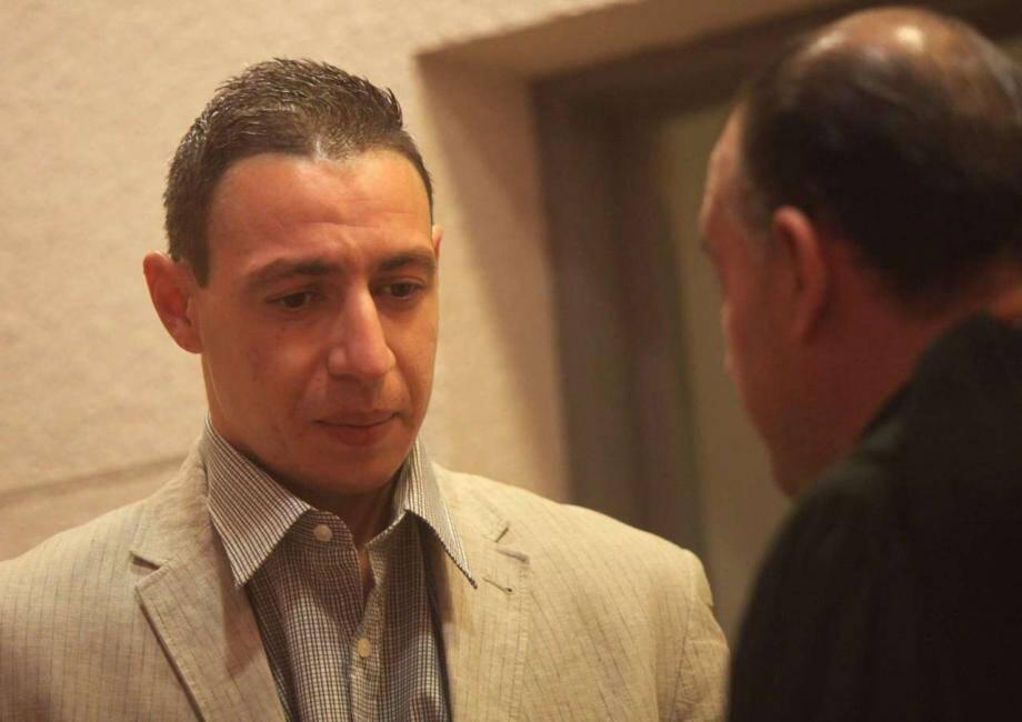 Bilel Belaid (à gauche) en compagnie de son avocat, Me Adam Krid