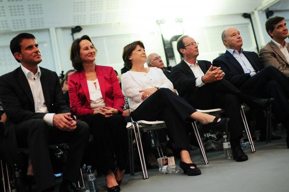Les six candidats à la primaire citoyenne : Manuel Valls, Ségolène Royal, Martine Aubry, François Hollande, Jean-Michel Baylet et Arnaud Montebourg.