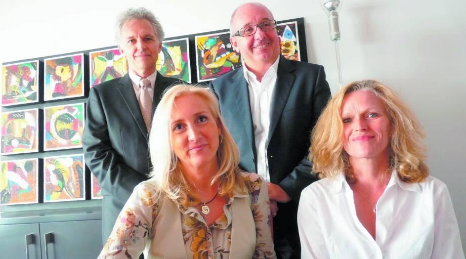 De gauche à droite Sandra Arnaud-Lopez, Claire Sachet, François Haenel, Guy Blasselle conseillers en patrimoine.