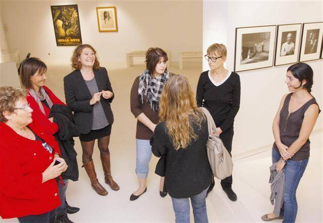 Agents du CCAS, du service de l'urbanisme, de la culture, de la communication de la ville de Menton étaient, hier, invités à une pré-visite du musée Jean-Cocteau. Ils en sont sortis emballés.