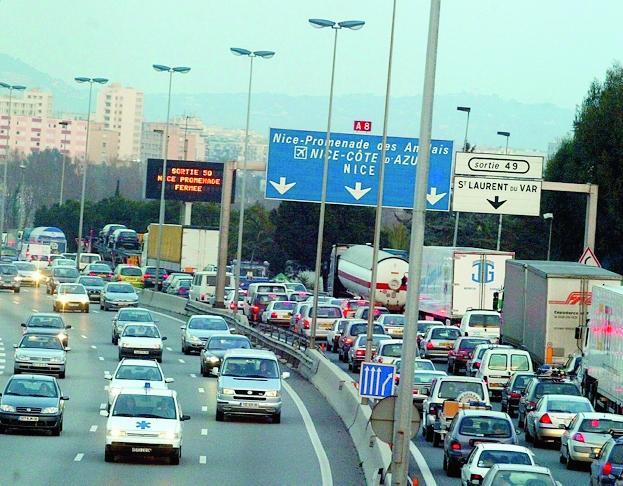L'A8 ne sera pas fermée mais les usagers pourront être stoppés aux entrées pour laisser passer les convois.