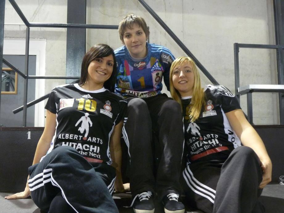 Marion Arrighino, Sonia Bonche et Marine Desgrolard, réunies autour d'un même objectif.(Photo P. P.)