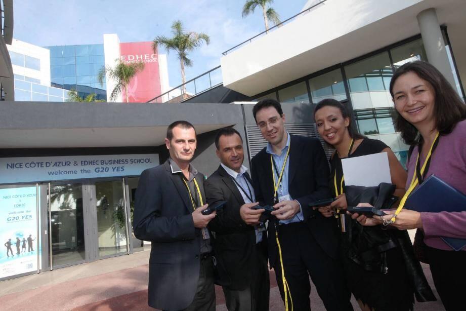 Cinq des six jeunes entrepreneurs de notre région présents au G20 Yes. De gauche à droite, Thierry Petament, Jean-Michel Berud, Jean-Yves Courtois, Ghita Bonnet, Anne-Lise Barral Kröll.