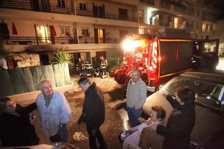 Le feu a pris dans la cuisine d'un appartement du rez-de-chaussée.(Photo Richard Ray)