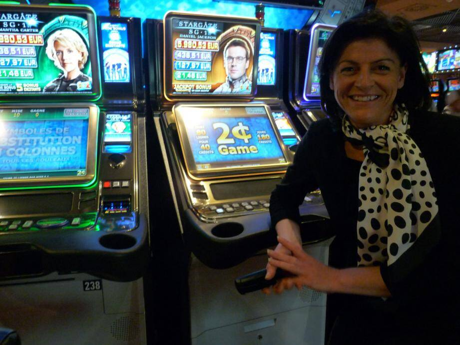Christelle Simon, en provenance de Dunkerque, prend ses marques au casino Terrazur.	(Photo S. G.)