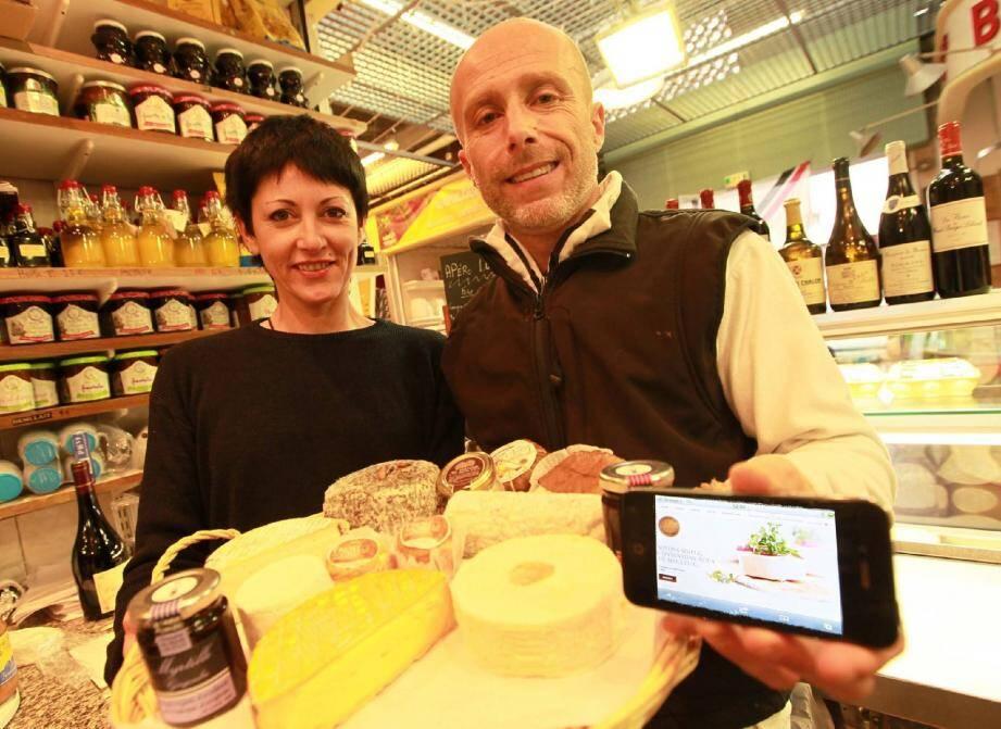 Carine et Laurent Viterbo exportent le savoir-faire niçois et français grâce à Internet.(Photo Patrick Clemente)