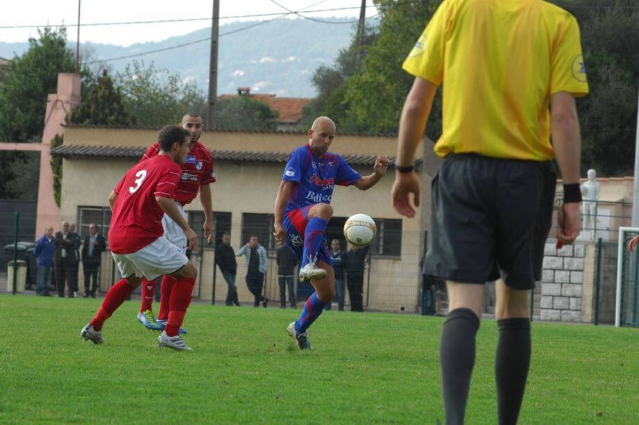 Poussin Meslin (à droite) et les Grassois : poursuivre la série positive.(Photo Xavier Giraud)