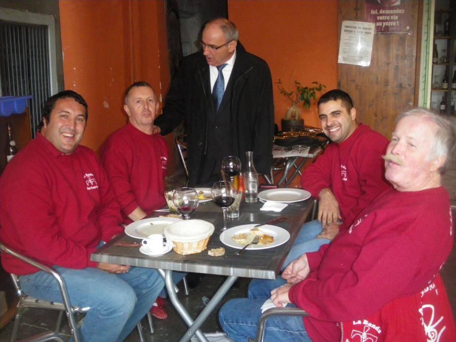 Le maire de Sospel, Jean Mario Lorenzi, a dû hier rassurer ses concitoyens. (Photo J.-P. D.)