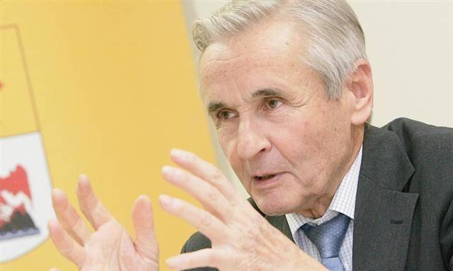 Le maire de Mouans-Sartoux André Aschieri.