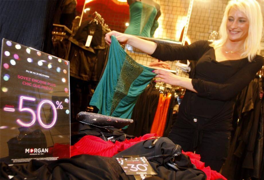 À partir de lundi et jusqu'au 15 février, prêt-à-porter, accessoires ou encore objets de décoration intérieure s'écouleront à prix cassés.
