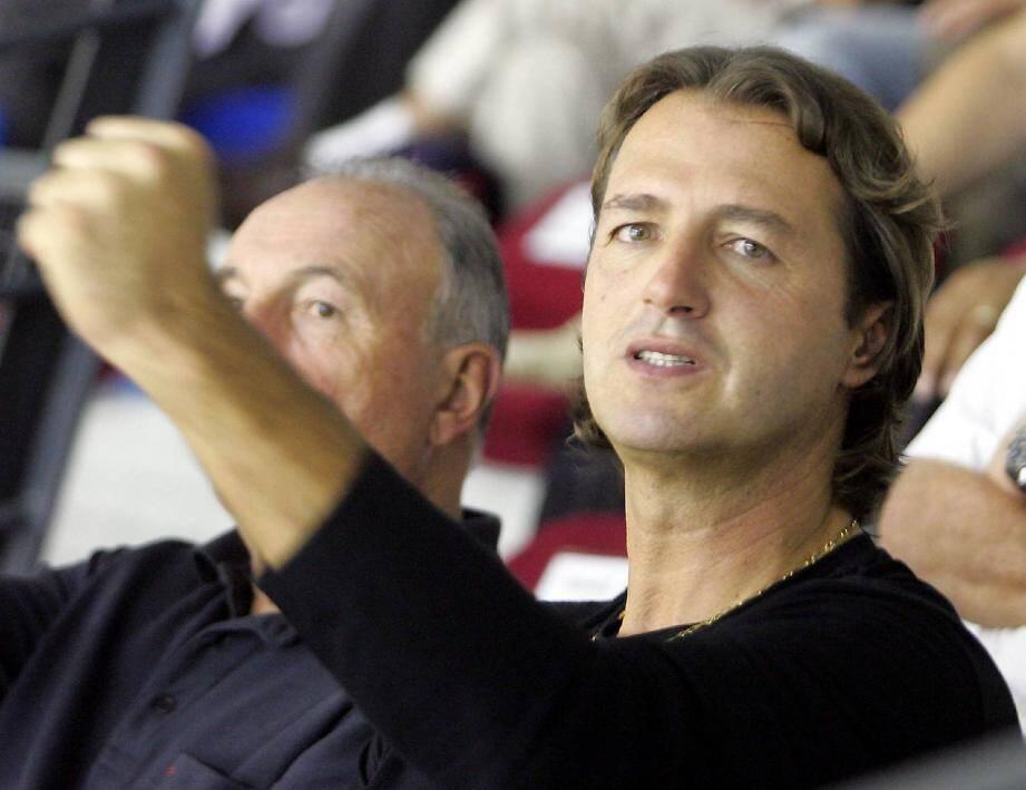 Jean-François Krakowski est un président heureux. Mais pour être comblé, il faudrait que son équipe accède dans un avenir proche à la Ligue des champions.
