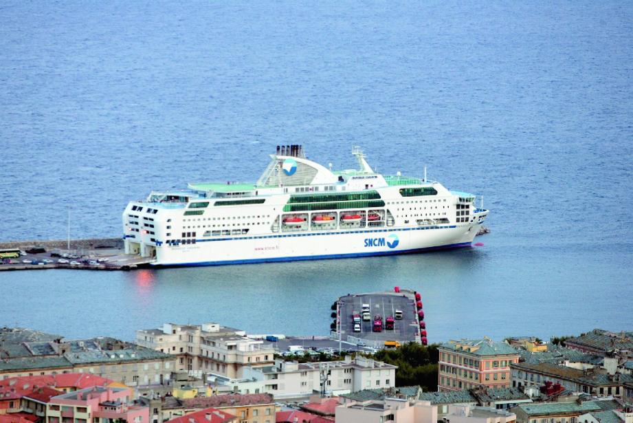 Quatre traversées sont programmées entre Toulon et Tunis. Les réservations s'ouvrent ce mardi. Ci-dessus, le Danielle Casanova (ici dans le port de Bastia) est le ferry qui fera la traversée.
