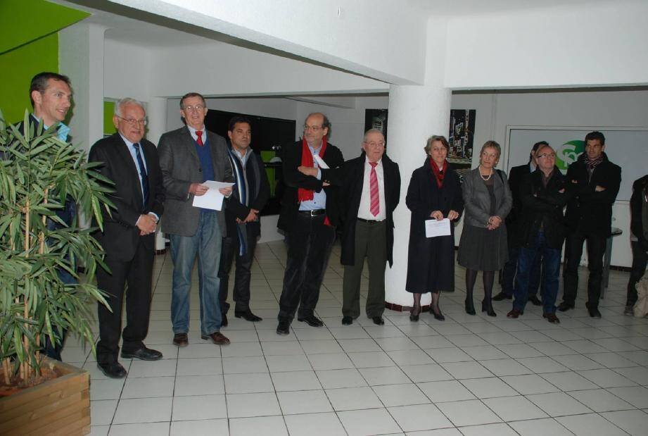 Le président Yvon Coéffic s'adresse aux nombreux invités.