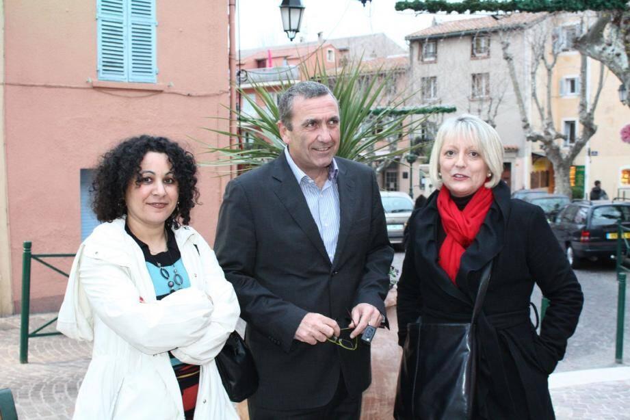 Louisette Maret-Tiouchichine, directrice et juriste de l'association, Joël Canapa (conseiller municipal de La Garde) et Florianne Paris, présidente.