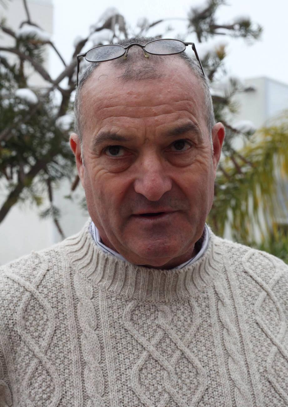 Jean-Marie Béguin, apiculteur à Cotignac, est le président de l'UAV.
