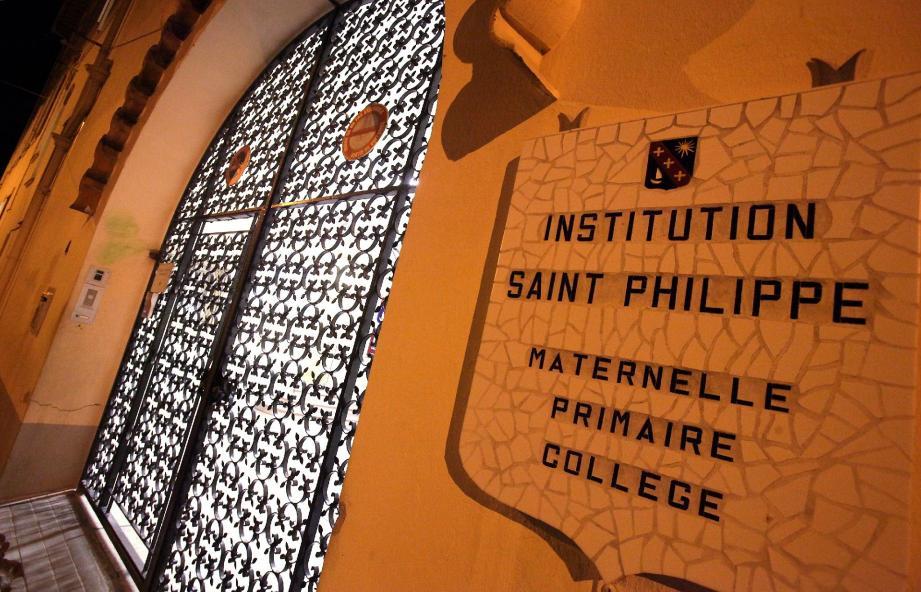 C'est à l'école Saint-Philippe-Néri (Juan-les-Pins) que treize jeunes ont été intoxiqués et transportés à l'hôpital.