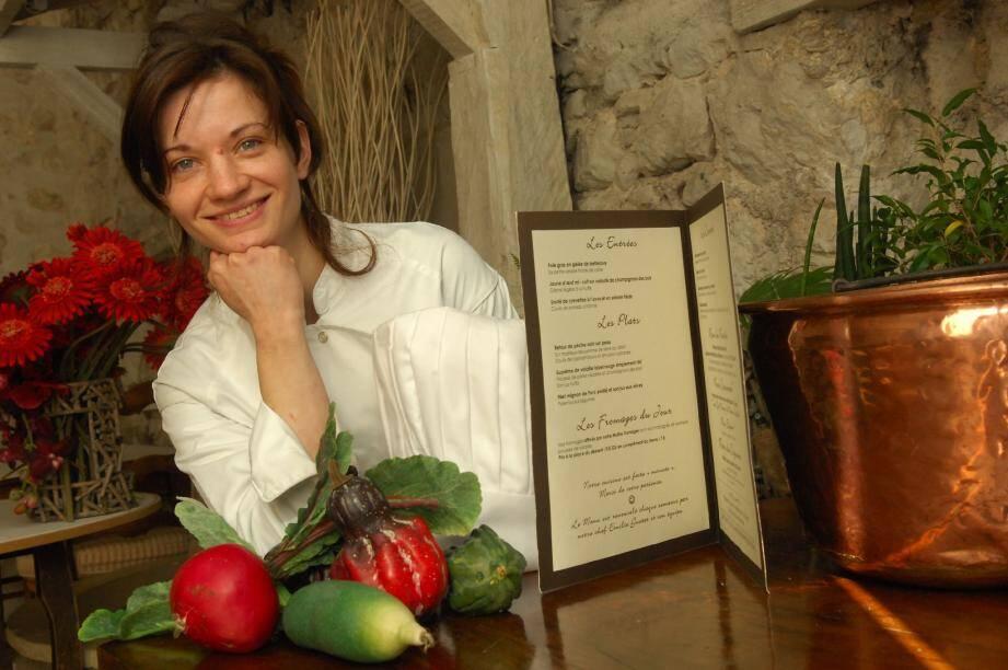 À 26 ans seulement, Émilie Guetet règne sur les fourneaux du Vieux-Château à Cabris : elle a su saisir la chance.