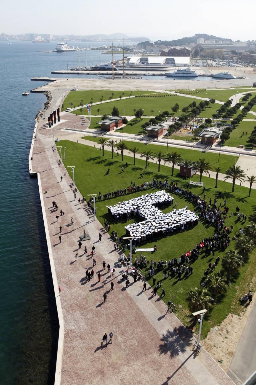 Le 2 avril dernier, la flash mob organisée au parc de la Navale à La Seyne avait rassemblé plus d'un millier de personnes.
