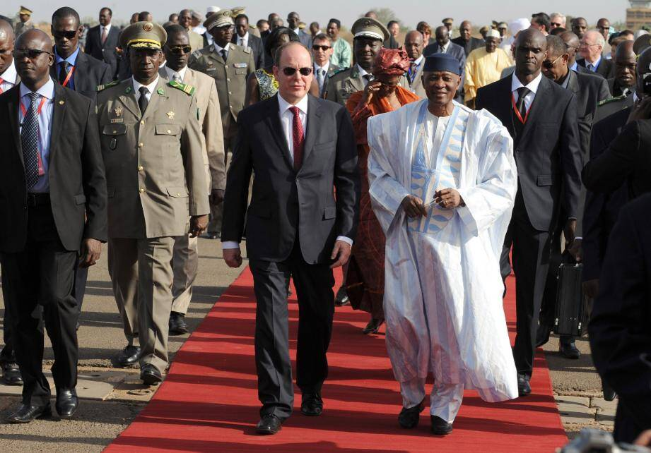 Albert II est arrivé au Mali - 15990074.jpg