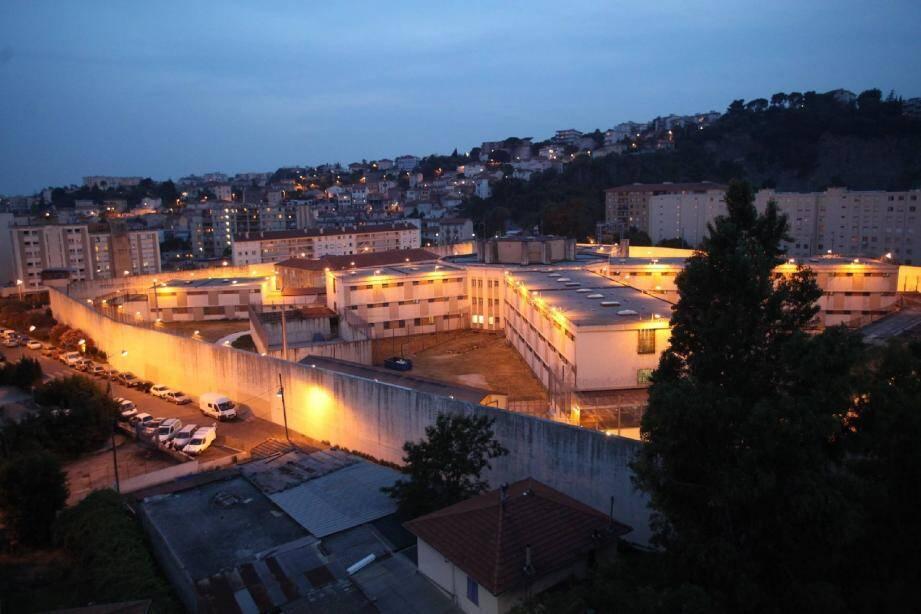La prison de Nice est un des deux seuls établissements du département, l'autre est celui de Grasse. (R. Ray)