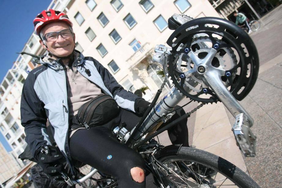 Locataire d'un studio au Pont-du-Las, Alain Remy a entamé, hier, son premier tour du monde à vélo.