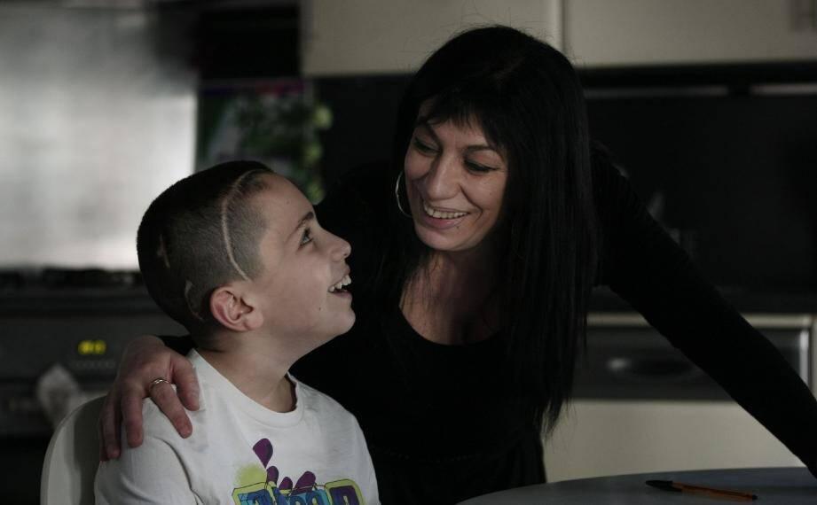 «Comme toute maman, ma priorité, c'est mon fils, Yacine », confie Marie-Rose qui met tous ses espoirs dans la prochaine intervention chirurgicale.