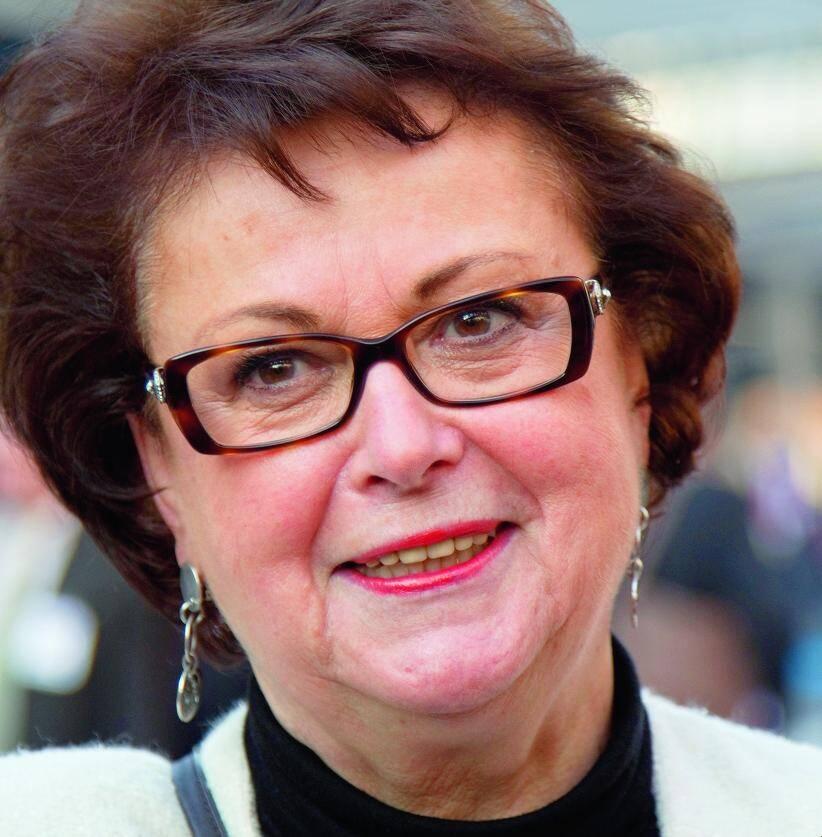 Christine Boutin, 67 ans, a été ministre du Logement au début du quinquennat de Nicolas Sarkozy, de mai 2007 à juin 2009. Elle était créditée d'à peine 1% des intentions de vote au premier tour.