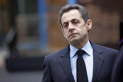 """Le président Nicolas Sarkozy visite le 14 février 2012 l'exposition """"La France en relief"""" à Paris"""
