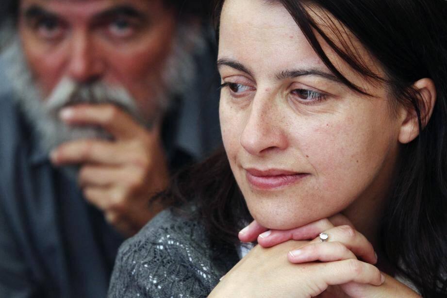 Pour la patronne d'Europe Ecologie-Les Verts, Cécile Duflot, « c'est une bonne nouvelle que [le candidat élu du PS] se déclare socialiste ET écologiste » .