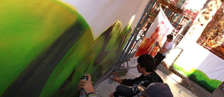 Parmi leurs revendications, les jeunes aimeraient aussi un mur de graff.