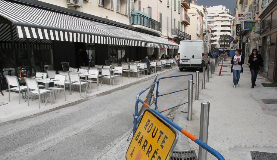 La dernière partie de la rue Notre-Dame, entre les rues des Belges et des Serbes, va bientôt sortir des travaux, en version semi-piétonne.