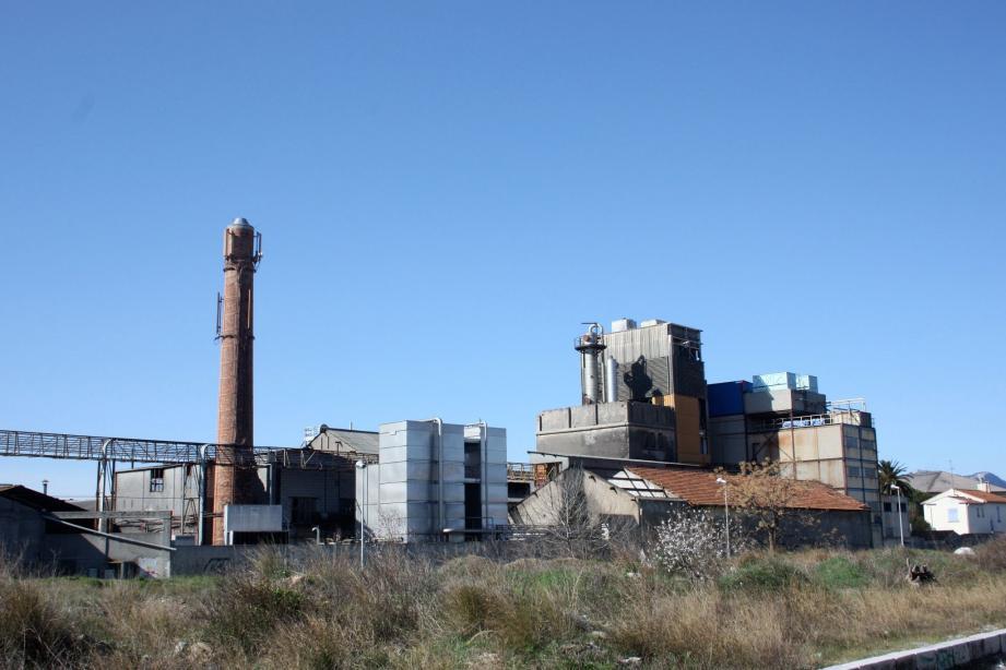 La distillerie évacue les déchets de la viticulture.