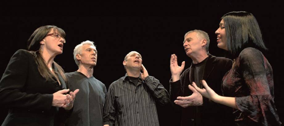 Des chants empreints de ferveur, transmis d'abord par tradition orale puis fixés, interprétés par un groupe en perpétuelle évolution.