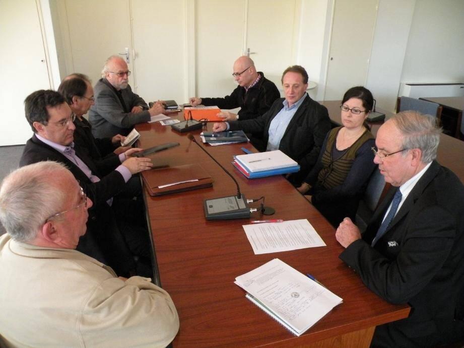 La commission communale pour l'accessibilité des personnes handicapées s'est réunie pour la première fois en mairie.