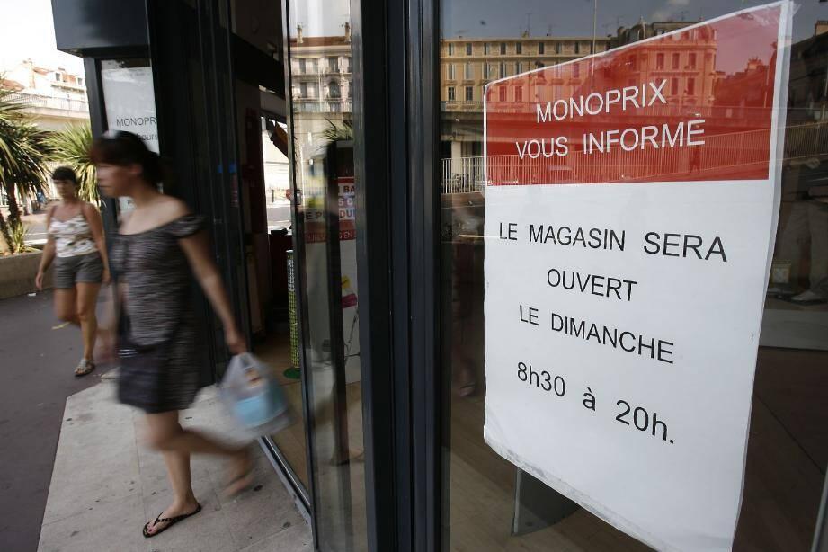 Plus que jamais, le gouvernement réfléchit à de nouveaux assouplissements, tels que l'augmentation du nombre de « dimanches du maire » comme ici dans une grande surface du centre-ville cannois.