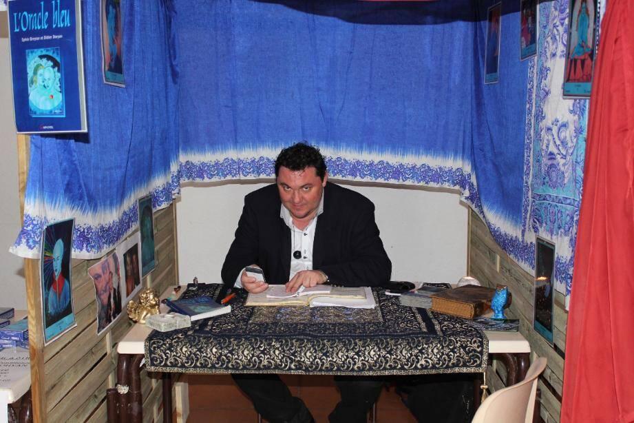 Didier Doryan présentera pour l'occasion son livre « Prédictions 2012 ».