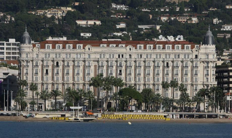 Pour le célèbre palace cannois, outre une perte de notoriété, le manque à gagner serait patent, depuis l'affaire DSK lilloise.
