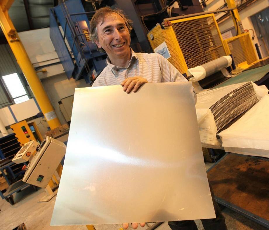 Philippe Robert améliore l'acoustique des cabines d'avion. Son obsession : innover pour rester dans la course.