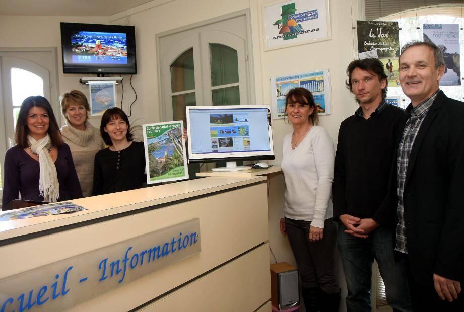 Malgré une légère baisse de la fréquentation en 2011, Emmanuel Bertrand, directeur de la Maison du tourisme du golfe de Saint-Tropez (à droite) , n'est pas inquiet pour cette année.