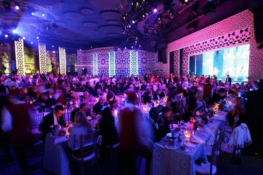 Le Bal de la Rose donnera à la salle des Étoiles toutes les couleurs de « Swinging London ».