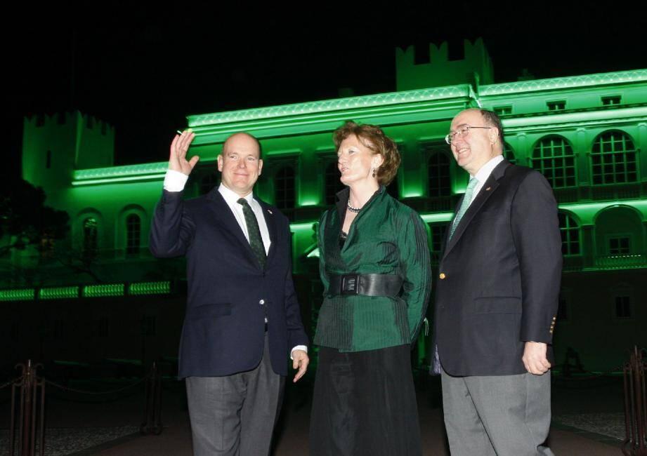 La façade du palais a revêtu la couleur symbolique de la St-Patrick.